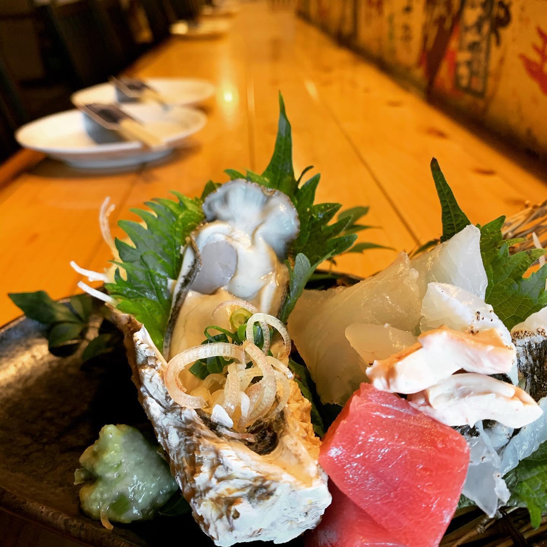 【カメラはブレても、心はブレない】 僕に出来ること、なんだろう。 それぞれの正解があり、何一つ不正解は無い。 「鮮魚と日本酒地域No.1を目指す」7年前に見た夢を今日も夢見て  15:00からオープンです!  #purovision-orca